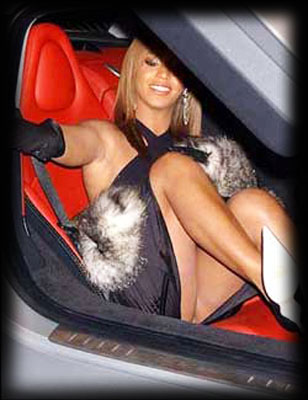 beyoncesortvoiture.jpg